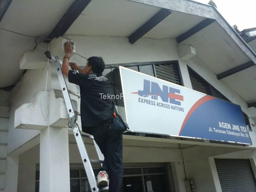 Pemasangan CCTV JNE Cibaduyut 4 Channel HD 2.0MP