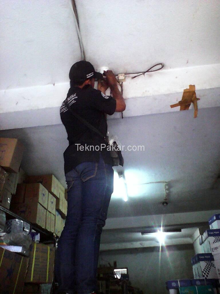 Pemasangan CCTV Toko Alat Tulis Caringin 8 Channel HDCVI 2.0MP